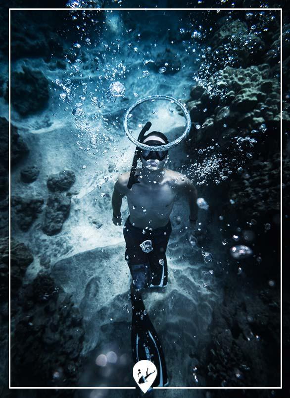 divemaster-buceando-divers-go-diving